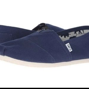 Worn literally once mens navy size 11 TOMS